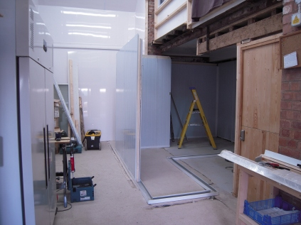cold room walls being fitted